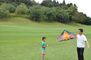ゴルフコースは凧上げに最適